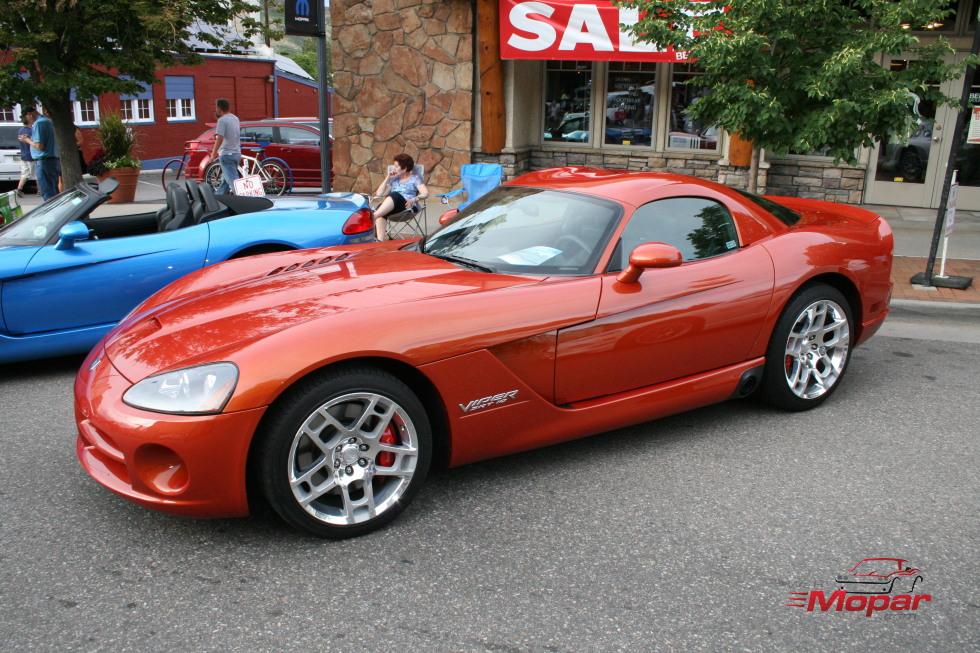Orange Viper SRT-10