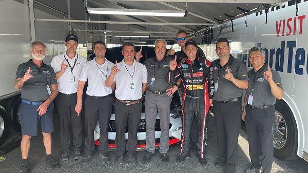 Tasca parts crew celebtrates a new world Record