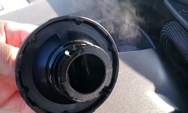 Oil cap smoke