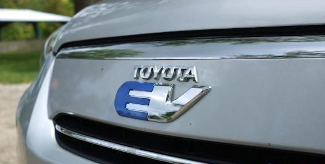 Rav4 EV badge